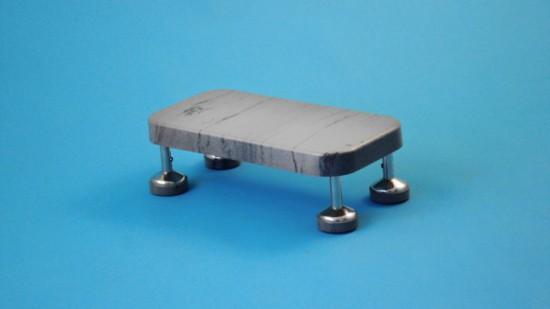 Pojízdný schůdek s pryžovým stupněm  výška 16 cm, kostra nerezová, antistatický